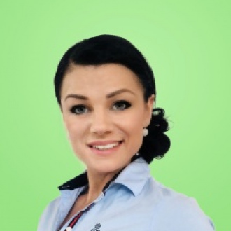 b9fe5f170db1 Katarína Pintér